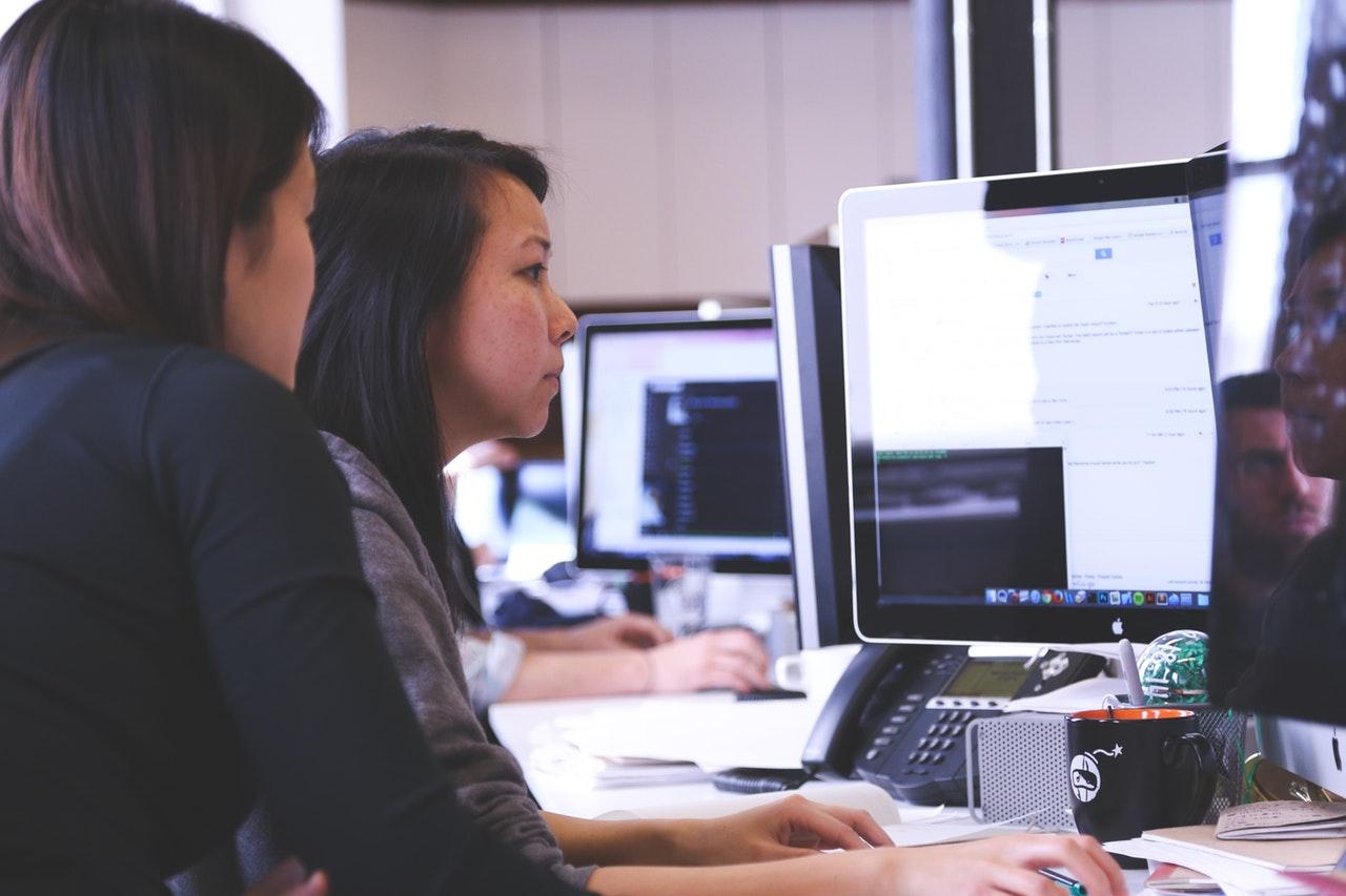 Working Woman Technology Computer 7374
